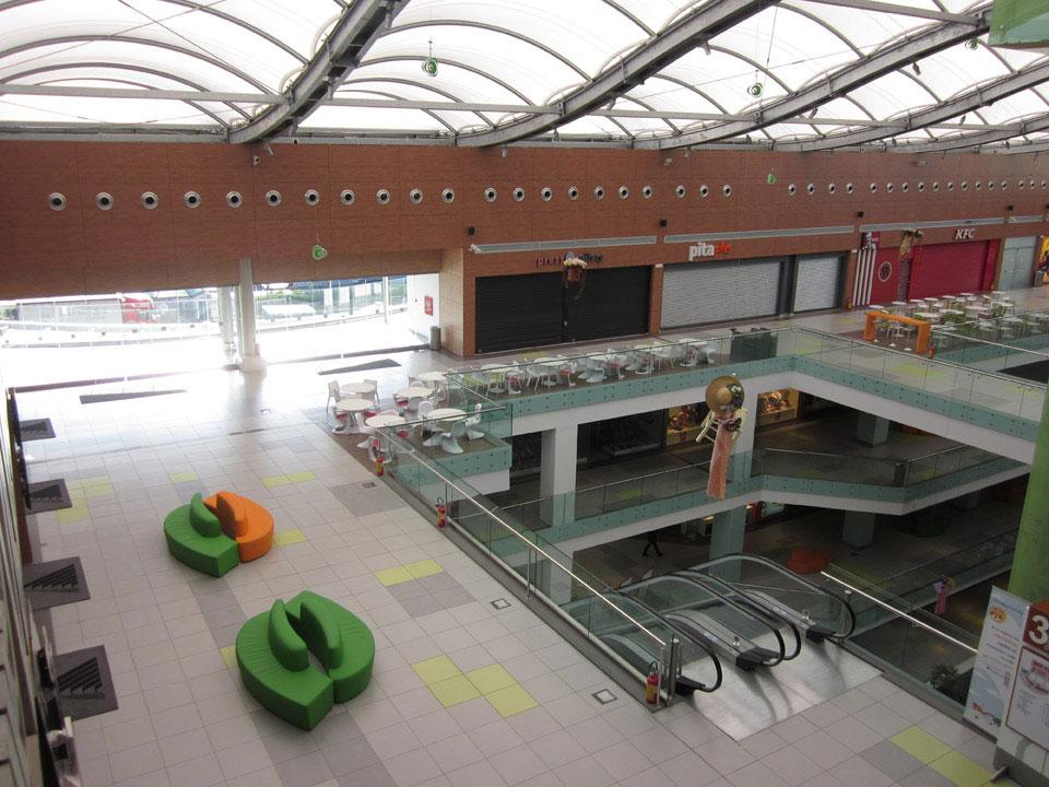 athens_metro_mall_10