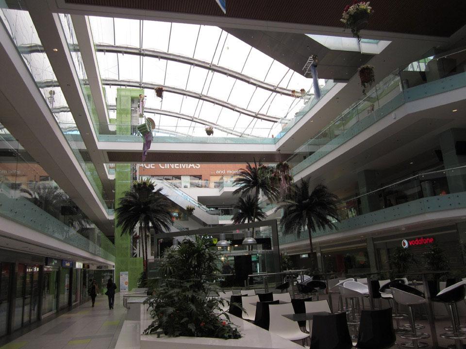 athens_metro_mall_12