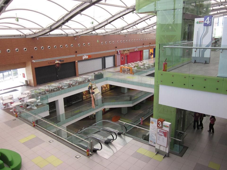 athens_metro_mall_9